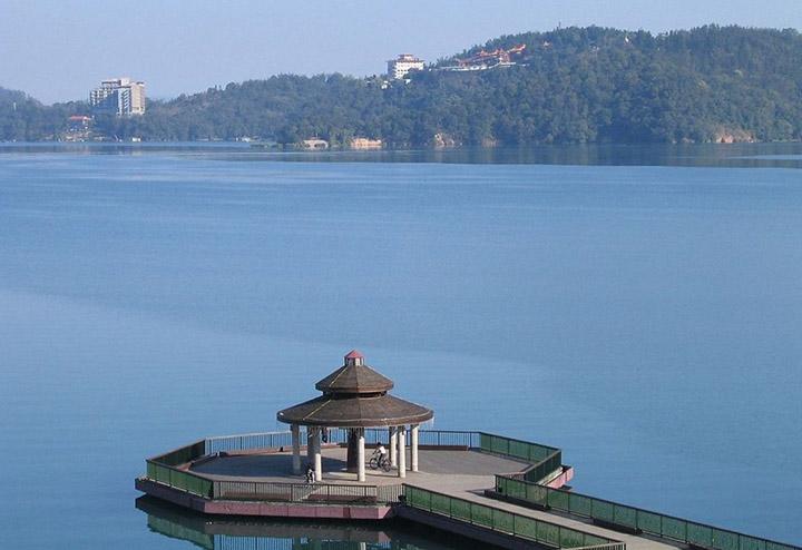 Image result for Hồ Nhật Nguyệt